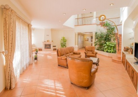 Faro, Villa, light, city, Pool, beach, golf, tennis, investment, residence, rental